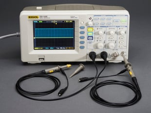 1 GS/s 100MHz Digital Storage Oscilloscope + Extras - DS1102E - DS1102E