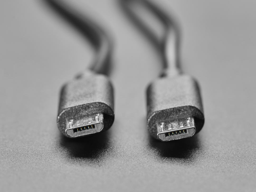 Close up of both Micro B USB connector ends