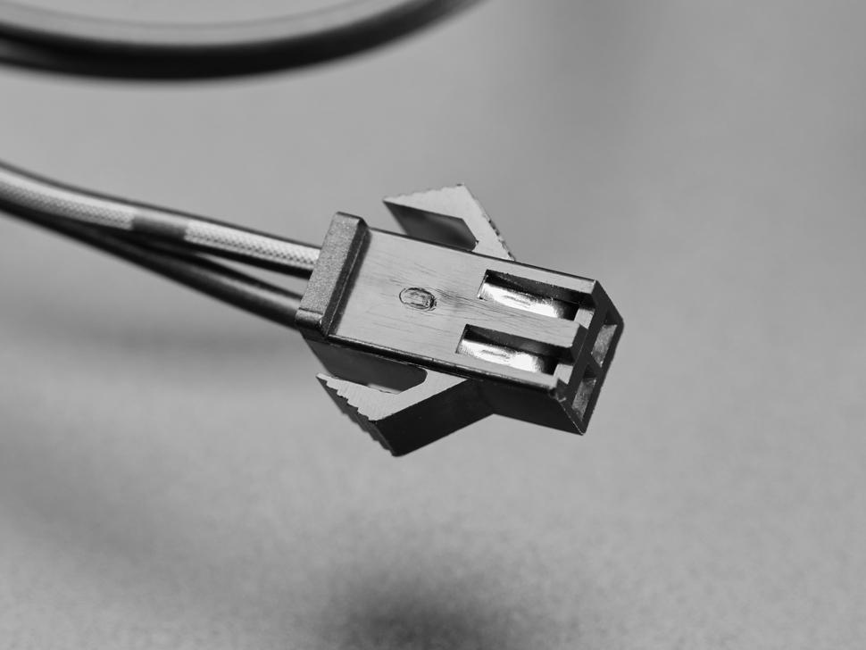 Close up of EL connector