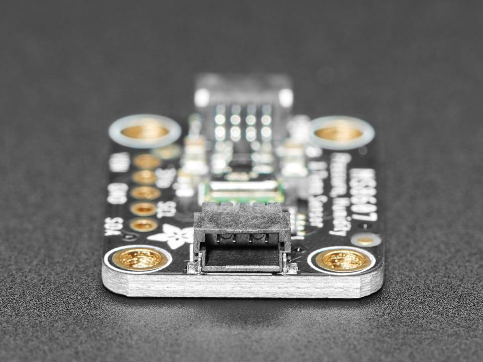 Close up of QT connector
