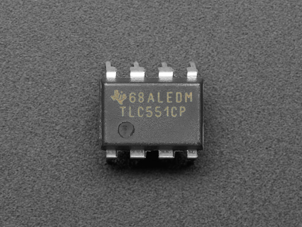 Top view of TLC551 IC Timer.